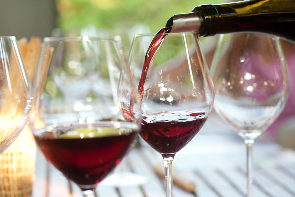 Dégustation d''un vin rouge - A PORTÉE DE VINS©GEORGEOT