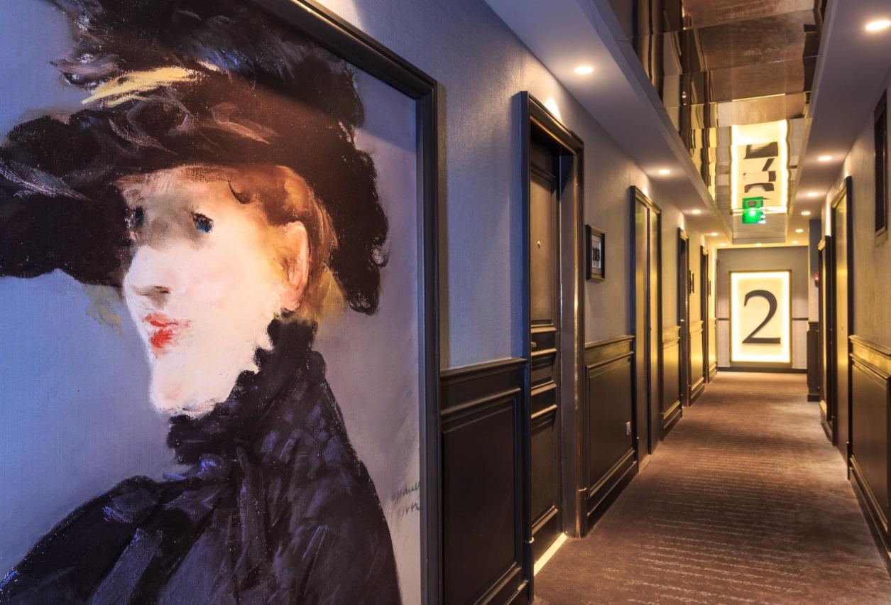 couloirs grand hotel la cloche - Hôtels Bourgogne Qualité © JacquesBlanchard