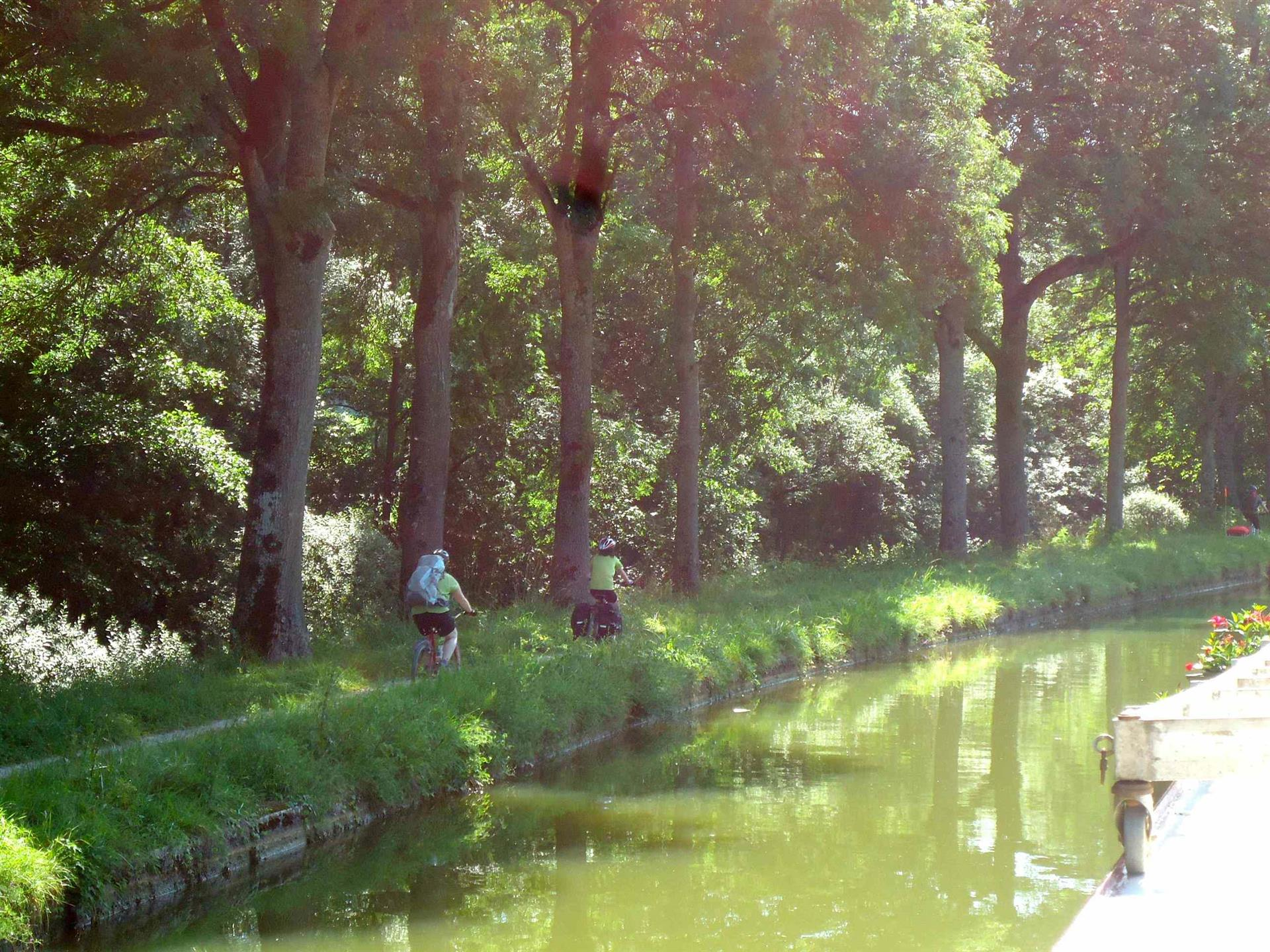 TOW PATH on the Burgundy Canal -